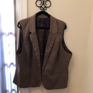 Stylish Brown Herringbone Vest.